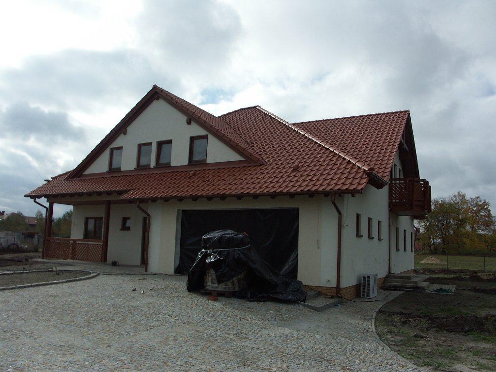 Domikon - Dom z dachem wielospadowym, Bełchatów