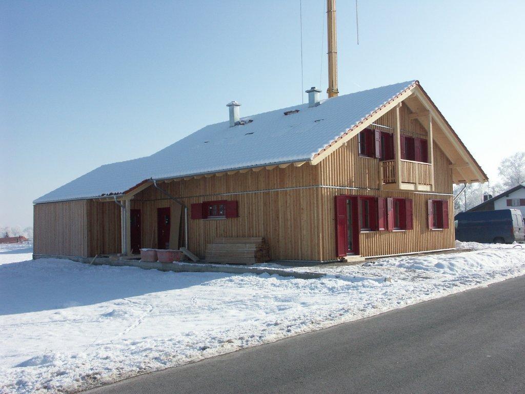 Domikon - Dom w drewnianej elewacji, Niemcy Peinssenberg