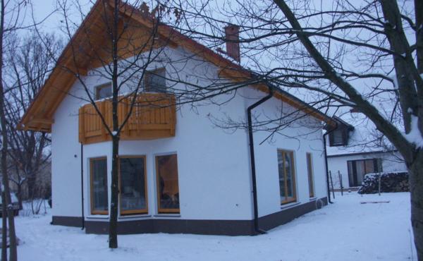 Dom z poddaszem , Warszawa Łomianki