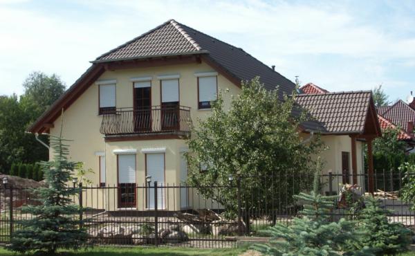 Duży dom jednorodzinny, Warszawa Laski
