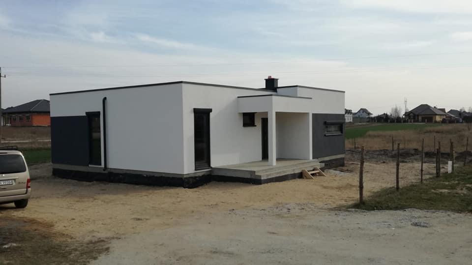 Domikon - Dom parterowy z płaskim dachem, Konin